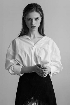 Anna-01